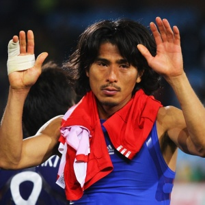 Yuji Nakazawa se emociona na derrota do Japão para o Paraguai: ele é novo recordista