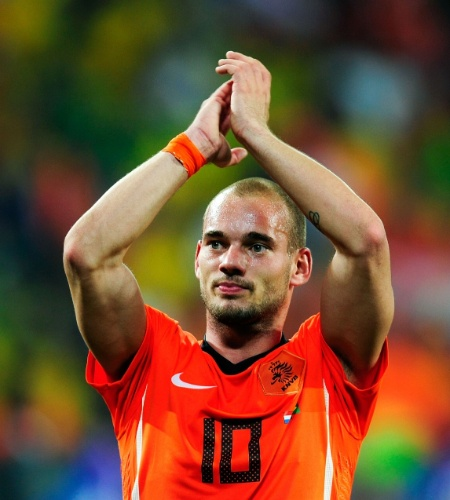 Wesley Sneijder foi autor de dois gols na vitória da Holanda por 2 a 1 sobre a seleção brasileira