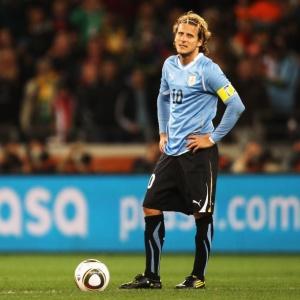 Forlán reconheceu que jogou contra a Holanda no sacrifício e precisou ser substituído no 2º tempo