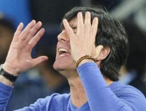 Joachim Low se recupera de gripe. Klose deve ser o único desfalque da Alemanha no sábado