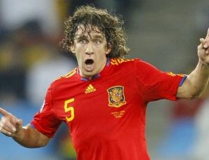 Autor do gol contra a Alemanha que garantiu a Espanha na final da Copa, o zagueiro espanhol Carles Puyol afirmou que permanecerámais dois anos defendendo a seleção de seu país