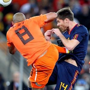 Ficou feio: Pancadaria holandesa faz da final de 2010 a mais violenta da história das Copas